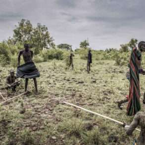 FAUSTO PODAVINI. Reportage en Ethiopie, vallée de l'OmoFAUSTO PODAVINI. Reportage en Ethiopie, vallée de l'Omo