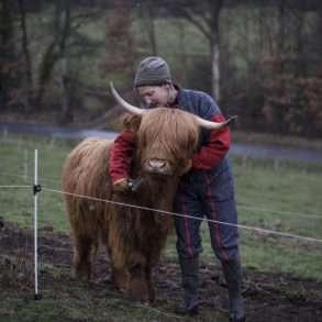 Phil Hatcher-Moore : éleveuse de Highlands dans le respect de l'harmonie sols, plantes et animaux.