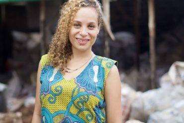 Naomi Fagla Medegan lauréate Terre de Femmes France 2021 collecte de déchets plastiques au Bénin